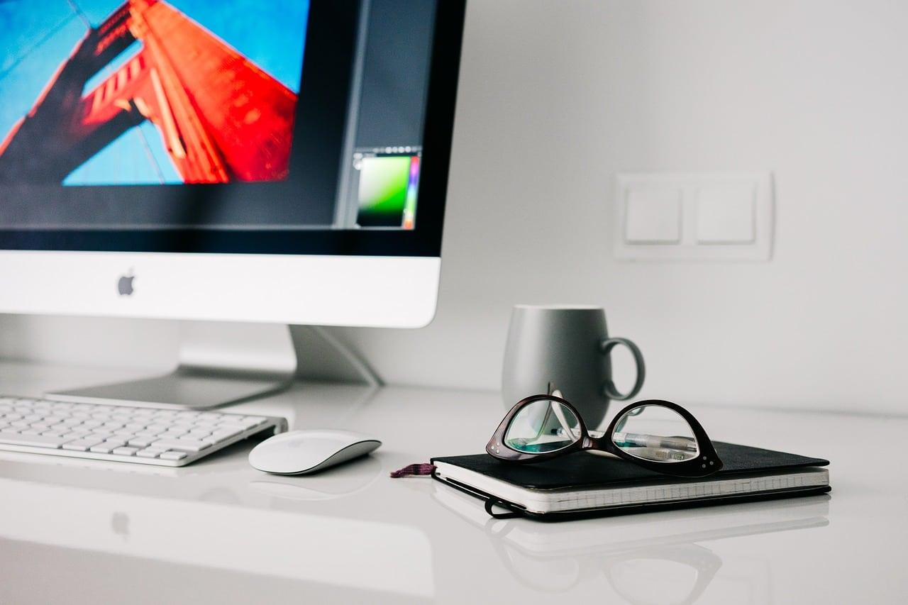 Reaching Through Email Marketing Blog Post